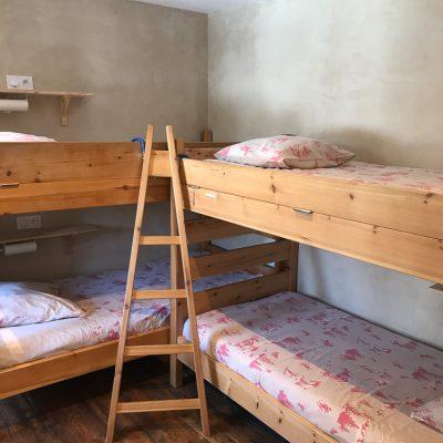 Bunkhouse dortoir 16 chambre lits 01