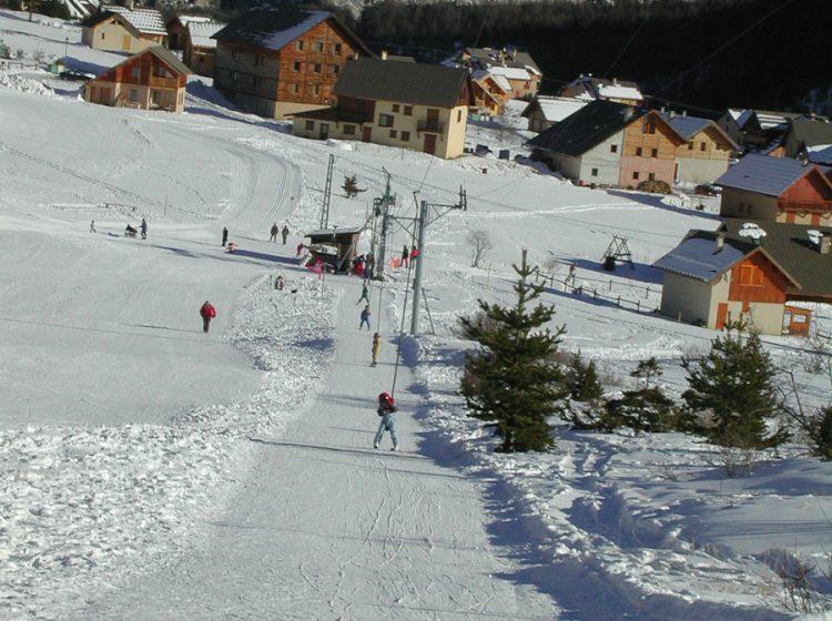 Skiing ski alpin 3