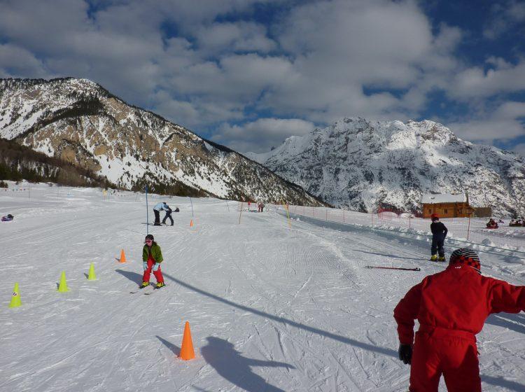Skiing ski alpin