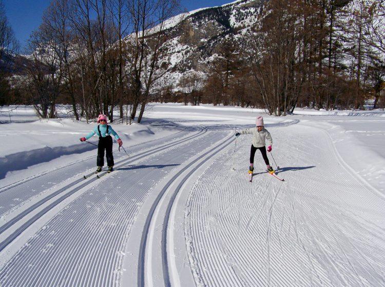 Skiing ski fond